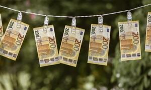 Επιδόματα - Συντάξεις: «Βρέχει» λεφτά - Οι ημερομηνίες πληρωμής