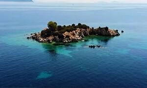 Αγιος Νικόλαος Ιθάκης: Το νησάκι που μαγεύει στο απέραντο γαλάζιο...