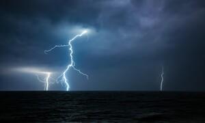 Έκτακτο δελτίο επιδείνωσης καιρού από την ΕΜΥ: Έρχονται καταιγίδες και πτώση της θερμοκρασίας